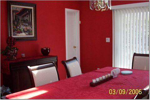 pics of dark red or green painted rooms?