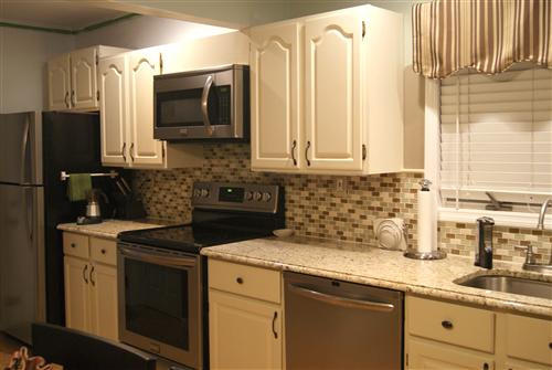 Light Colored Granite Countertops With White Cabinets : we have cream colored cabinets with shivakashi granite