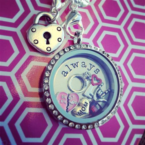 Origami Owl Mothers Day Contest Enter To Win A Personalized Locket