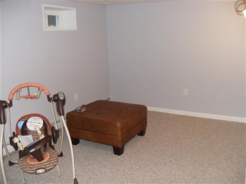 Bm Blue Gray Paint With What Color Carpet